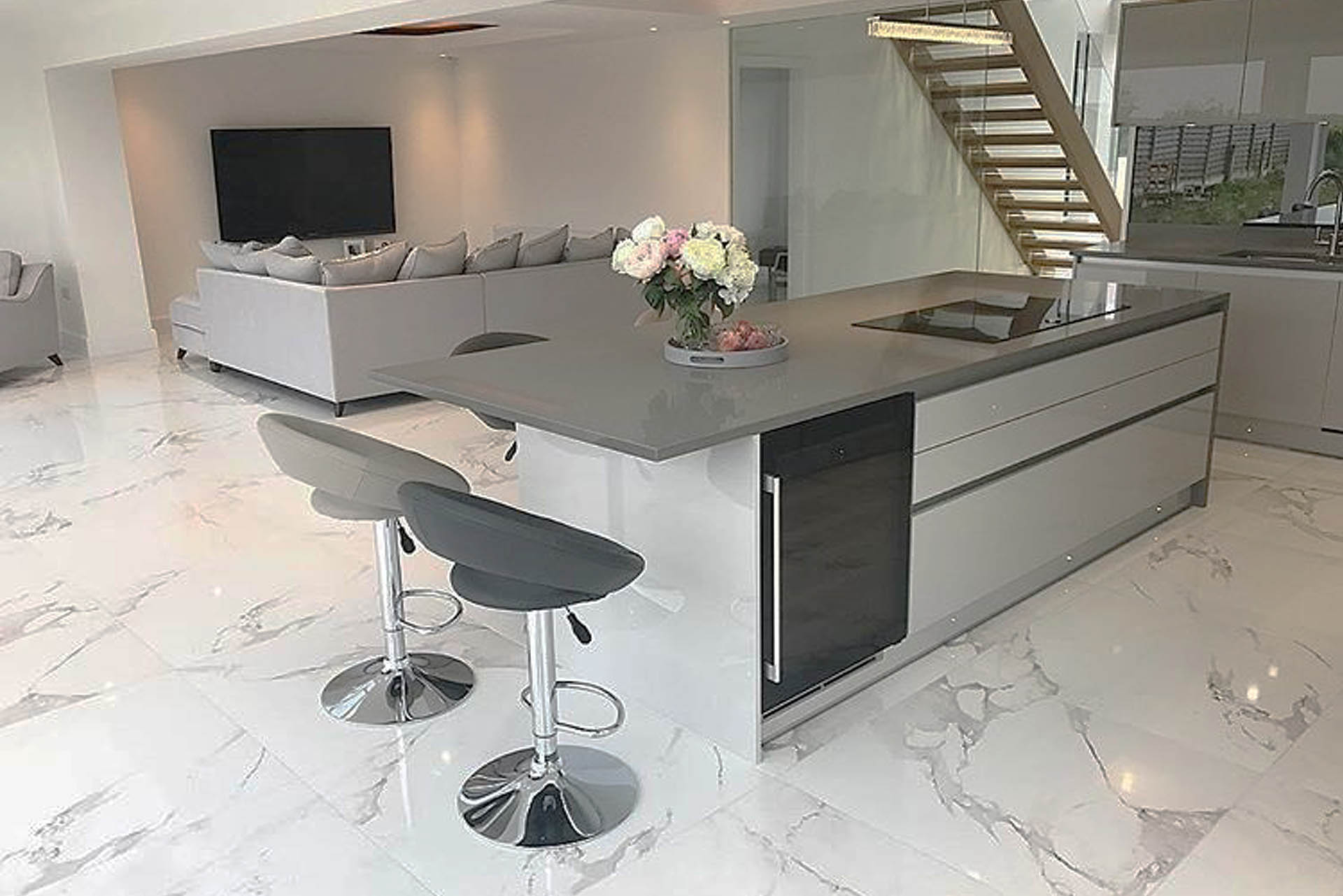 Zurfiz True Handleless Grey Gloss Kitchen